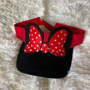 DisneyParks NWT Minnie Mouse Bow Visor